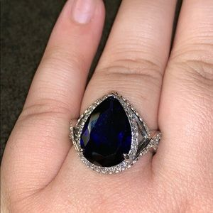 Beautiful deep blue teardrop ring